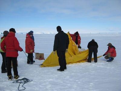Antarctica-HappyCamper-scotttent-01